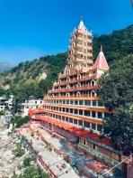 Temple ashram in Laxman Jula
