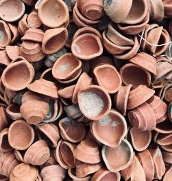 Little pots for pigments